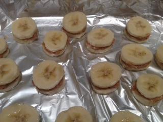 banana on tray
