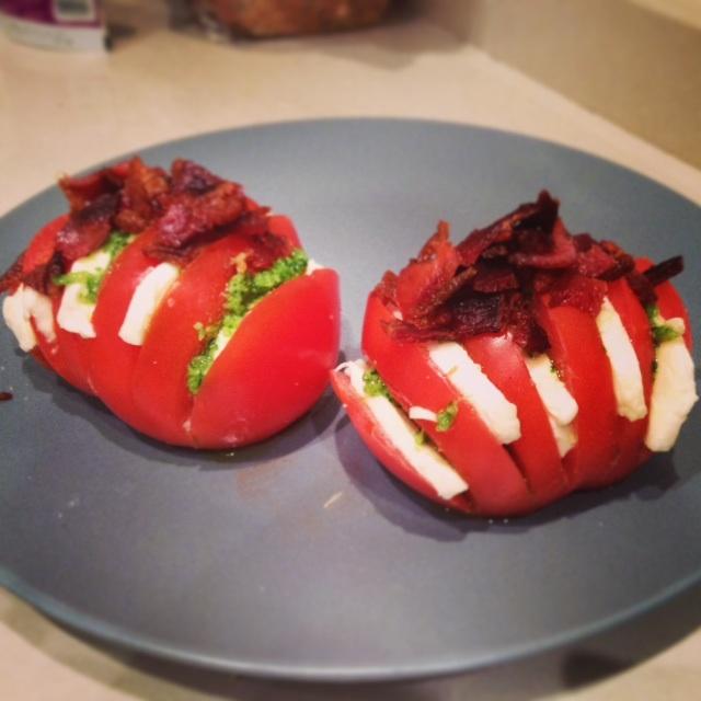 Hasselback tomato salad